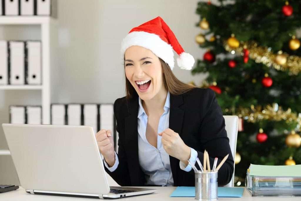 Paying a Christmas bonus